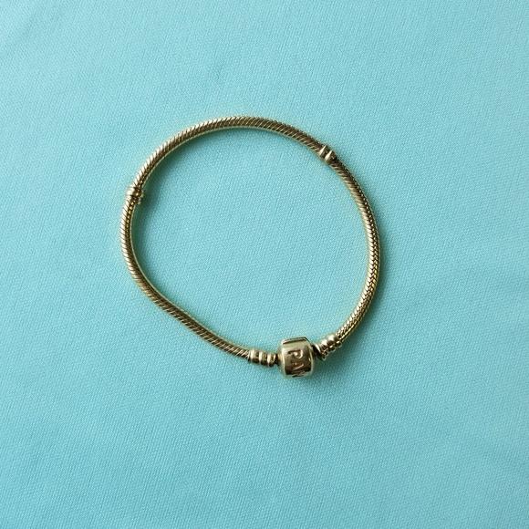 ddd176dd7 Pandora Moments 14K Gold Barrel Clasp Bracelet. M_5b89b39034a4ef20379742af